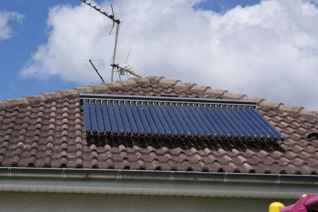 Capteur à tubes solaires FRISQUET