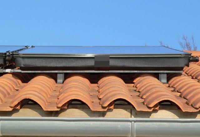 Vu des supports capteurs en toiture