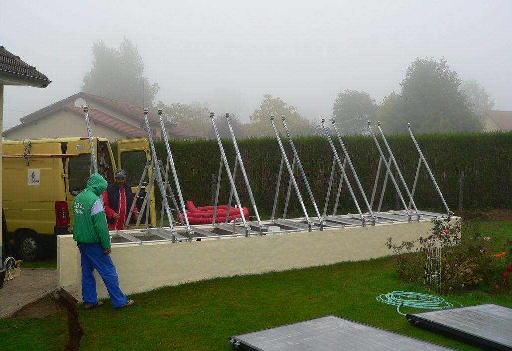 Montage des supports de panneaux solaires