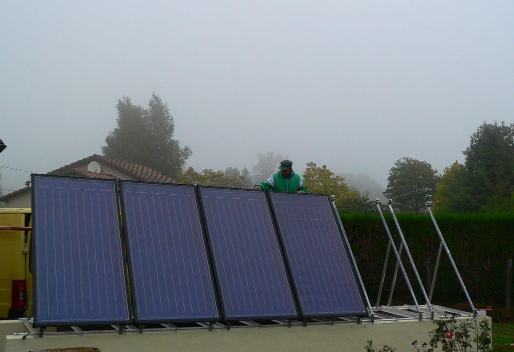Montage des panneaux solaires, vue avant
