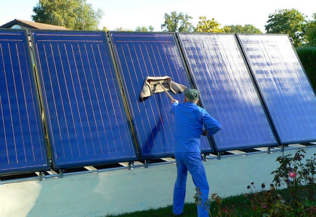 Nettoyage des panneaux solaires